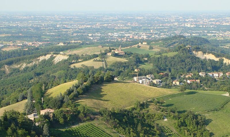San Lorenzo in Collina, il borgo